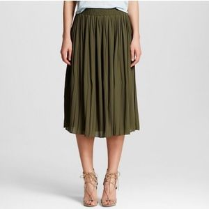 Who What Wear Olive Pleated Midi-Skirt